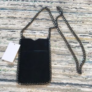 📱 Crossbody phone pouch for festivals🖤